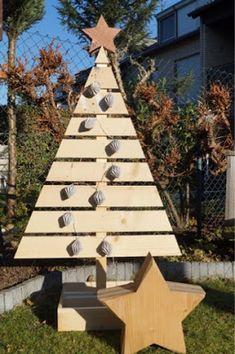 Unser kleiner Mikrokosmos: Holz-Tannenbaum - DIY für Geübte