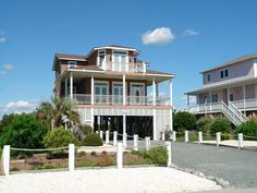 Holden Beach, NC - Craig Cottage 1250 OBW a 4 Bedroom Boulevard / Second Row Rental House in Holden Beach, part of the Brunswick Beaches of North Carolina. Includes Hi-Speed Internet