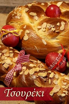 Easter Bread from Greece Greek Sweets, Greek Desserts, Greek Recipes, Desert Recipes, Greek Cake, Eat Greek, Pastry Recipes, Sweets Recipes, Cooking Recipes