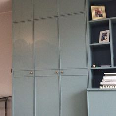 For those of you who havent swayed to the dark ( cabinets ) side this customer shot gives another perspective Dark Cabinets, Kitchen Cabinets, Tall Cabinet Storage, Locker Storage, Light Colors, Colours, Bespoke Furniture, Brass Hardware, Joinery