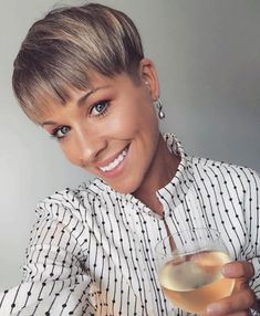 Trendy Very Short Haircuts for Female, Cool Short Hair Styles 2019 Very Short Haircut for Female, 2019 Short Pixie Haircuts and HairstylesVery Short Haircut for Female, 2019 Short Pixie Haircuts and Hairstyles Very Short Haircuts, Cute Hairstyles For Short Hair, Short Hair Cuts For Women, Pixie Hairstyles, Curly Hair Styles, Brunette Hairstyles, Layered Hairstyles, Hairstyles Haircuts, Short Hair Cute