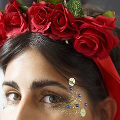 """""""Como fazer a #maquiagem perfeita pro #Carnaval? Nós te ensinamos! Corre lá em blog.cantao.com.br/2015/01/make-de-folia/ pra copiar """""""