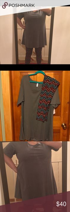 Lularoe Perfect Tee in solid Gray Sz 3x This is for the 3x Lularoe perfect tee only. I bought this new but I'm only 5 ft tall and feel it's too long on me. Only tried on, still has tags. LuLaRoe Tops Tees - Short Sleeve