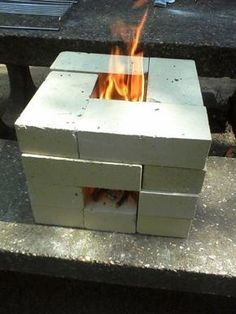 Pegando a onda do frio, sugestões de churrasqueira, fogão ou fogareiro improvisados. Basta alguns tijolos de cimento e voilà!!