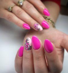 #nailswag #nailart #roses #pinknails #pink #instanailstyle #instanails #longnails #nailofinstagram #paznokcie #paznokciezelowe #profesjonalnastylizacjapaznokci by profesjonalna_i