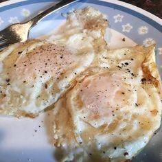 Avocado Breakfast Bowl Recipe | Allrecipes Avocado Breakfast, Breakfast Bowls, Vegetarian Eggs, How To Cook Eggs, Food Reviews, Calorie Diet, Original Recipe, Stuffed Peppers