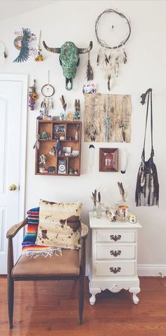 Retro home decor - Positively Cozy ideas. retro home decorating boho help generated on this day For more charming information press the link to pore over the pin suggestion 8031480770 now