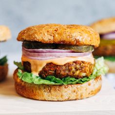 Classic Lentil Burgers- made with wholesome ingredients, these veggie burgers have a classic flavor that pairs well with any toppings. Each burger packs of the RDI for iron and 12 grams of protein! Burger Recipes, New Recipes, Vegetarian Recipes, Vegetarian Dinners, Easy Recipes, Favorite Recipes, Healthy Recipes, Lentil Burgers, Veggie Burgers