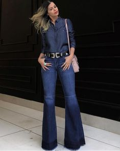 How to wear jeans bootcut fit 48 Ideas Denim Attire, Flare Jeans Outfit, Denim Outfit, Cute Pants Outfits, Edgy Outfits, Fashion Outfits, Denim Fashion, Look Fashion, Vetement Fashion
