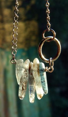 Kyanite Stick Necklace on etsy. Probably could be done with other stones to make a flat shape. Crystal Jewelry, Metal Jewelry, Boho Jewelry, Jewelry Art, Beaded Jewelry, Jewelery, Jewelry Accessories, Jewelry Necklaces, Jewelry Design