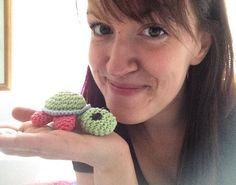 Look at this cute little #turtle  Do you like it? Then you should go and check out @turtle_on_tour  have fun  #crochet #inspiration #inspiring #fun #funny #happy #happiness #havefun #turtles #little #lovely #cute #tiny #amigurumi #schildkröte #you #cuteness #mood #love #travel #handmade by _dornalicious_