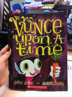 Best Halloween Kids Books -- clever, cute Halloween stories for kids Halloween Books For Kids, Halloween Activities, Autumn Activities, Halloween Art, Writing Activities, Halloween Pumpkins, Happy Halloween, Halloween Night, Writing Ideas