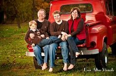 fall family photos - OH! Who has an old ford we can borrow?!?!?!?