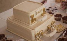 Lulu Cakes: bolo Viagem (R$ 500, 5 kg) vem com massa de limão e recheio de chocolate branco, coberto com ganache branco e pasta americana