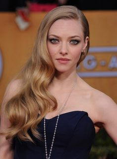 Amanda Seyfried is s-s-s-smokin'!