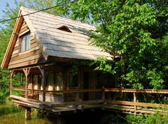 House made by Romanian craftsman Danut Hotea Traditional Interior, Traditional House, Cabins In The Woods, House In The Woods, House Made, My House, House In Nature, Beach Cottages, Home Fashion