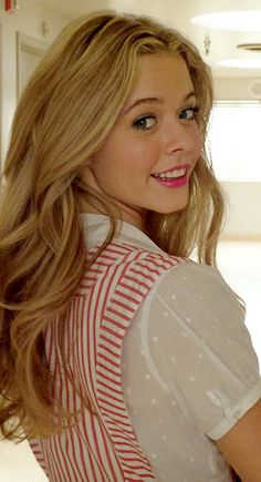 Dressing Your Truth Type 1 Sasha Pieterse (not officially Typed)