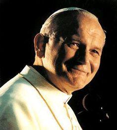 Santìsimo Juan Pablo II, intercede por todos los que padecen alguna enfermedad en su lecho de dolor.  Te lo imploramos  tus devotos  !!!