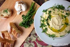 Hummus is a delicious paste, which together with bread (e.g. potable or plain bread roll) can be a perfect choice for breakfast. It will also be perfect as a party snack. Hummus can be served in many versions depending on the ingredients that we add to the base of the paste.