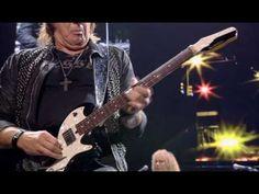 "Bon Jovi ""Runaway"", live in NYC '08 - YouTube"
