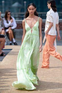 Looks Verão 2021   4 tendências para se inspirar da NYFW Spring 2020