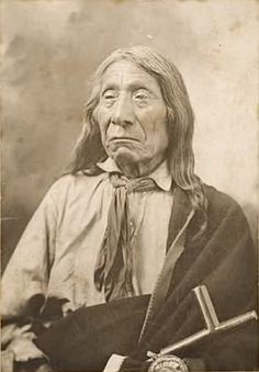Chief Red Cloud – December was a war leader and a chief of the Oglala Lakota (Sioux). He led as a chief from 1868 to One of the most capable Native American opponents the United States Army faced, he led a successful campaign in known as Red Cloud's War. Native American Pictures, Native American Tribes, Native American History, American Indians, American Indian Art, Native Indian, Indian Tribes, Red Cloud, Portraits