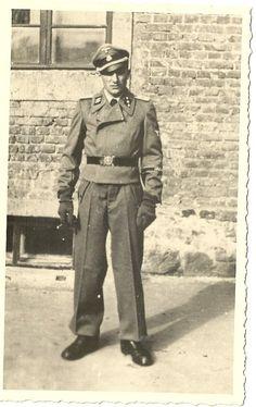 Untersturmfuhrer Sturmgeschutz of division Leibestandart Adolf Hitler.