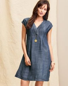Easy and elegant, this soft chambray dress is cast entirely in sustainable . Cotton Dresses, Blue Dresses, Casual Dresses, Summer Dresses, Chiffon Dress, Dress Skirt, Lace Dress, Dress Outfits, Fashion Outfits