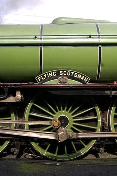 picture english steam trains flying scotsman - Bing Images http://ceracoatus.com/spaceage/