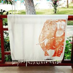Secret Sea Collection present you Lightweight Quality Bamboo Beach Towel, Natural Dyed Printed, Turkish Towel Peshtemal,Perfect for Beach 👉If you want to have this product, visit our Amazon store, the link in our instagram profile.  #miamibeach#floridabeach#colorfulcolorado#livethelittlethings#venicebeach#longbeach#lagunabeach…