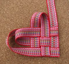 Inkle band woven heart tutorial from Jennifer Williams aka Inkled Pink.
