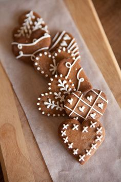Gorgeous ginger bread cookies. Too pretty to eat?