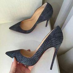 Gray Alligator Pattern Pointed Toe Stiletto Heels