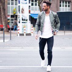 streets* Enjoy your evening!  Jacket: @livefastdieyoung_de  Sneaker: @rafsimonsofficial  #lfdy
