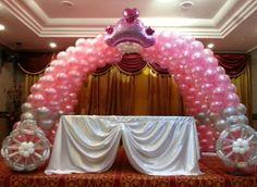Balloon princess carriage arch. #balloon #princess #carriage #arch #decor