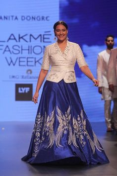 22 Must See Photos From The Lakme Fashion Week Summer Resort 2016 Indian Gowns Dresses, Indian Fashion Dresses, Indian Designer Outfits, Indian Outfits, Skirt Fashion, Designer Party Wear Dresses, Kurti Designs Party Wear, Lehenga Designs, Choli Designs