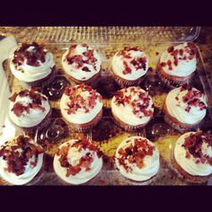 Maple bacon cupcakes for MoMo and Ryan's post wedding brunch