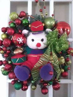Bear wreath Ornament Wreath, 4th Of July, Christmas Wreaths, Balloons, Birthdays, Diy Projects, Easter, Bear, Halloween