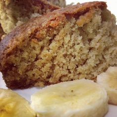 Moist banana bread recipe Ingredients: tablespoons of butter, softened 2 ripe bananas 2 eggs cup of sugar a pinch of salt 1 cup all-purpose flour teaspoon baking soda teaspoon baking powder Yummy Treats, Yummy Food, Moist Banana Bread, Nigerian Food, Banana Bread Recipes, Köstliche Desserts, Sweet Bread, Sweet Recipes, Yummy Recipes