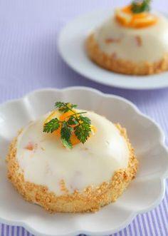 ピーチとオレンジのドームババロア のレシピ・作り方 │ABCクッキング ... ヨーグルトにたっぷりのコンデンスミルク、オレンジで作るなつかしい風味のババロアです。かたちはドーム状にすれば、見栄えする1品に! パイもそのままと、砕いた ...