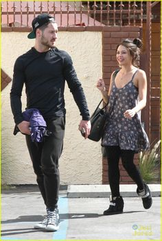 Val & Janel leaving DWTS rehearsals 28/09/14