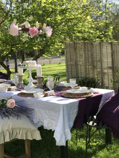 Hallstrom Home: Outdoor Dining- Shabby Chic Style