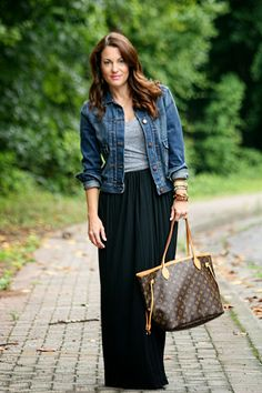 Trendy How To Wear Denim Jacket Summer Black Maxi Ideas Source by maxi dress outfit ideas Maxi Outfits, Denim Skirt Outfits, Casual Dress Outfits, Maxi Dresses, Denim Outfit, Long Black Skirt Outfit, Winter Skirt Outfit, Black Maxi Dress Outfit Ideas, Black Maxi Skirts