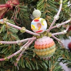 Beaded Spider Ornament | Etsy Christmas Spider, Halloween Spider, Ceramic Christmas Tree Lights, Christmas Ornaments, Beaded Spiders, Beaded Skull, Metal Beads, Black Glass, Cringe