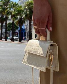 Mini Handbags, Purses And Handbags, Hermes Handbags, Small Handbags, Trendy Accessories, Bag Accessories, Sacs Design, Trendy Purses, Vetement Fashion