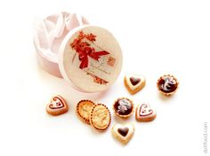 Romantic Cookies  Dollhouse Miniature Food by dollfoodminiatures, $32.90 Size: Cookies - 7-10 mm, box - 25 mm.