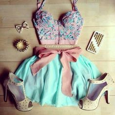 Not sure how I feel about the shoes but everything else is sooo cute