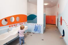 Kids Activity: Creative and Colorful Kindergarten / Day Care by Baukind for Kita Hisa in Berlin. Kids Children Sink for Kindergarten Day Care. Kindergarten Interior, Kindergarten Design, School Bathroom, Baby Bathroom, Kids Room Design, Nursery Design, Kids Toilet, Restroom Design, Kids Daycare
