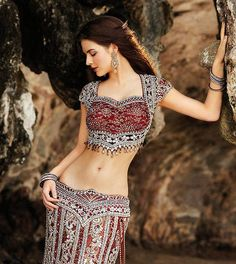 reference, photo, woman, pose, Beautiful Seasons Of Indian Short Blouse Saree Collection For Women & Specially Girls Belly Dance Outfit, Belly Dance Costumes, Tribal Belly Dance, India Fashion, Asian Fashion, Style Fashion, Indian Dresses, Indian Outfits, Asian Bridal
