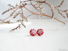 White Snowflake Christmas Red Small by DZHandmadeProducts on Etsy